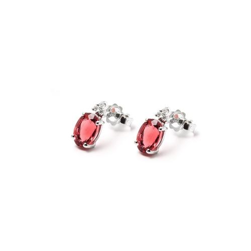 Orecchini Rubino ovale con Diamanti
